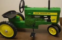 John Deere 720